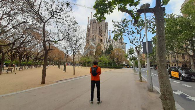 Сегодня открылся для публики Храм Святого Семейства в Барселоне