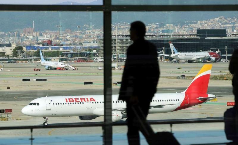 Провожающих и встречающих вновь допустят в терминалы аэропортов Испании