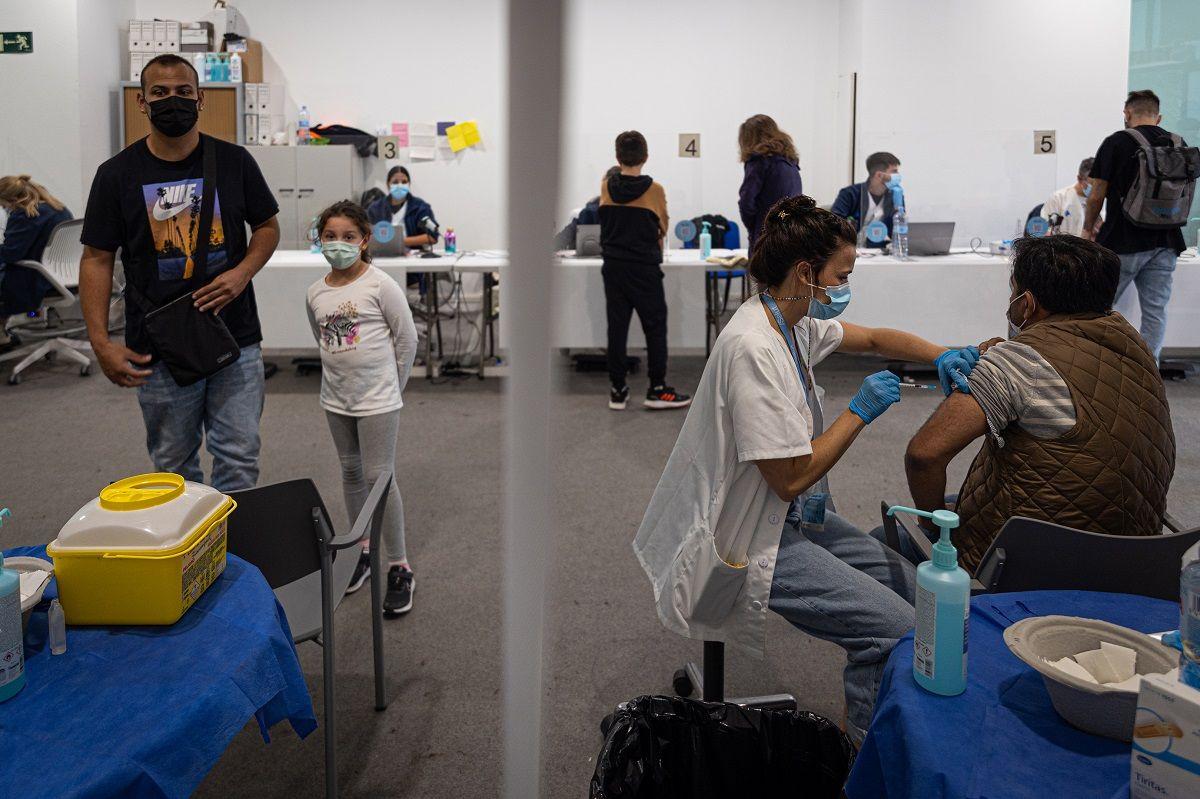 Миллион каталонцев уже переболели коронавирусом