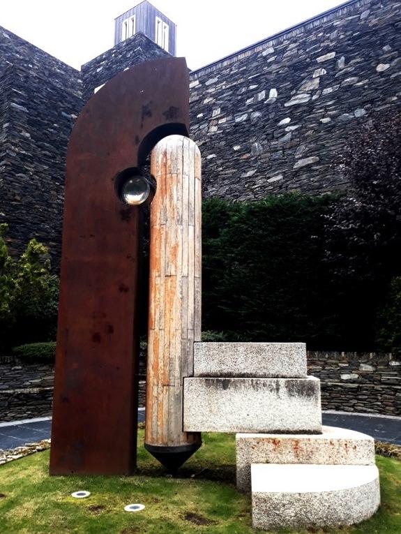 Посвящение Генеральному Совету - монументы Андорры