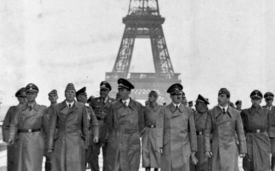 Гитлер и Эйфелева башня