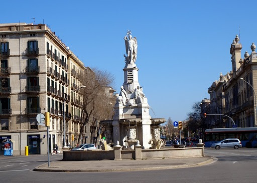 "Фонтан ""Каталонский  гений"" - фонтаны Барселоны"