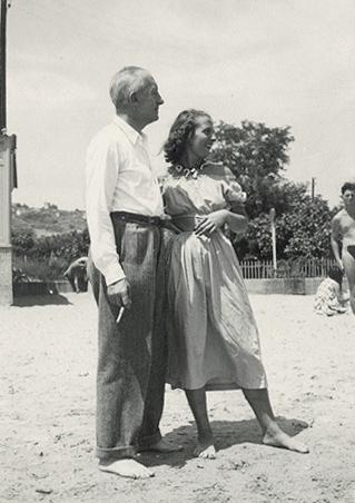 Сесиль Элюар с отцом, 1948