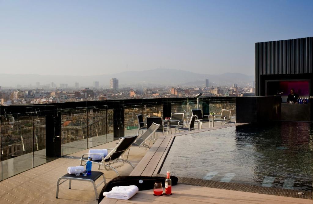Отели в районе Барселоны Раваль - 4* звезды