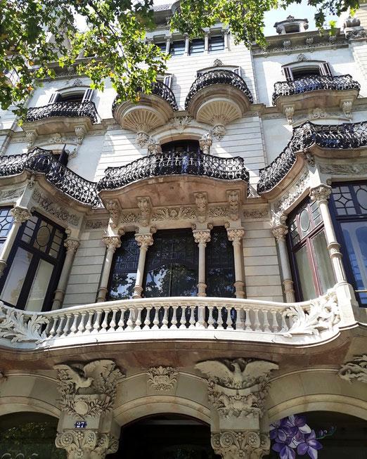 Дворец Малагрида. Лучшие модернистские постройки в Барселоне