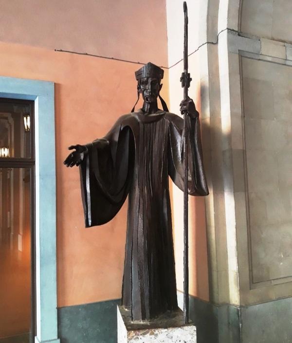 """Железный человек"" монастыря Монсеррат"