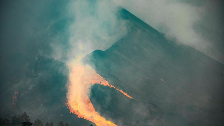 Извержение вулкана на Ла Пальме длится уже месяц
