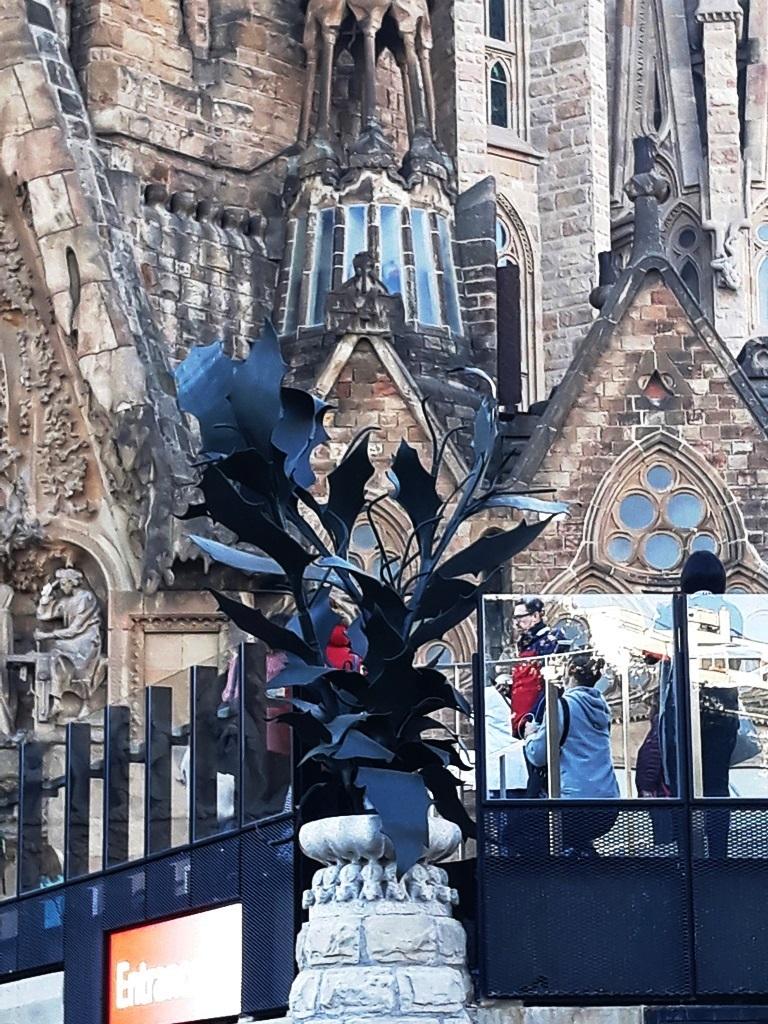 Храм Святого Семейства в Барселоне - символика
