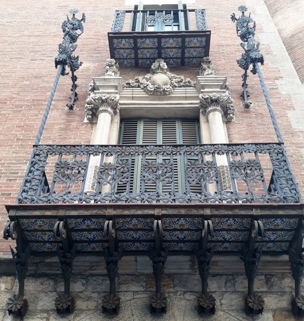 Дом с шипами Барселона