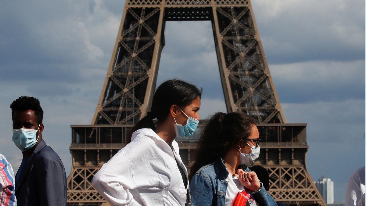 С 17 июня Франция отменяет маски на улице