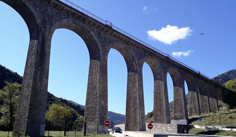 Испания требует тест ПЦР с французов, пересекающих границу наземным путем
