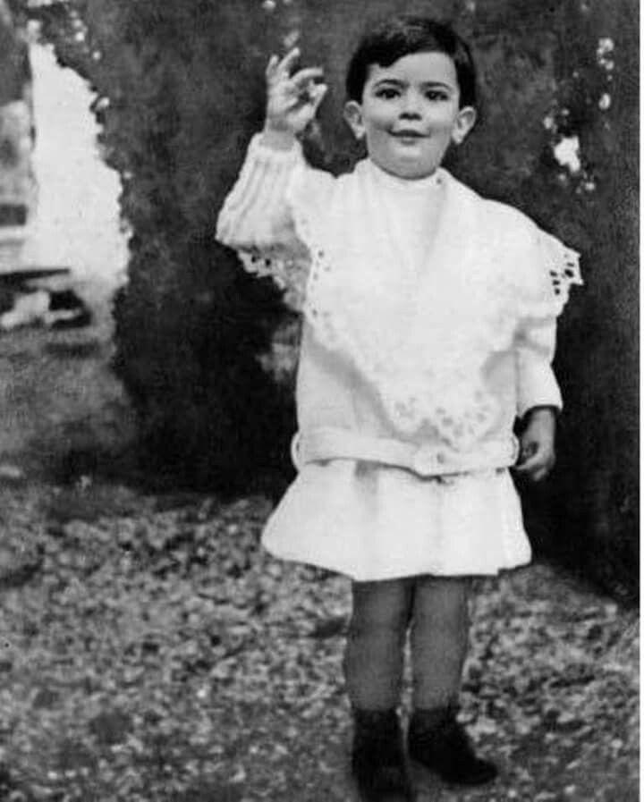 11 мая - день, когда родился Сальвадор Дали