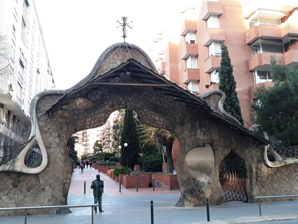 Все шедевры Антонио Гауди в Барселоне