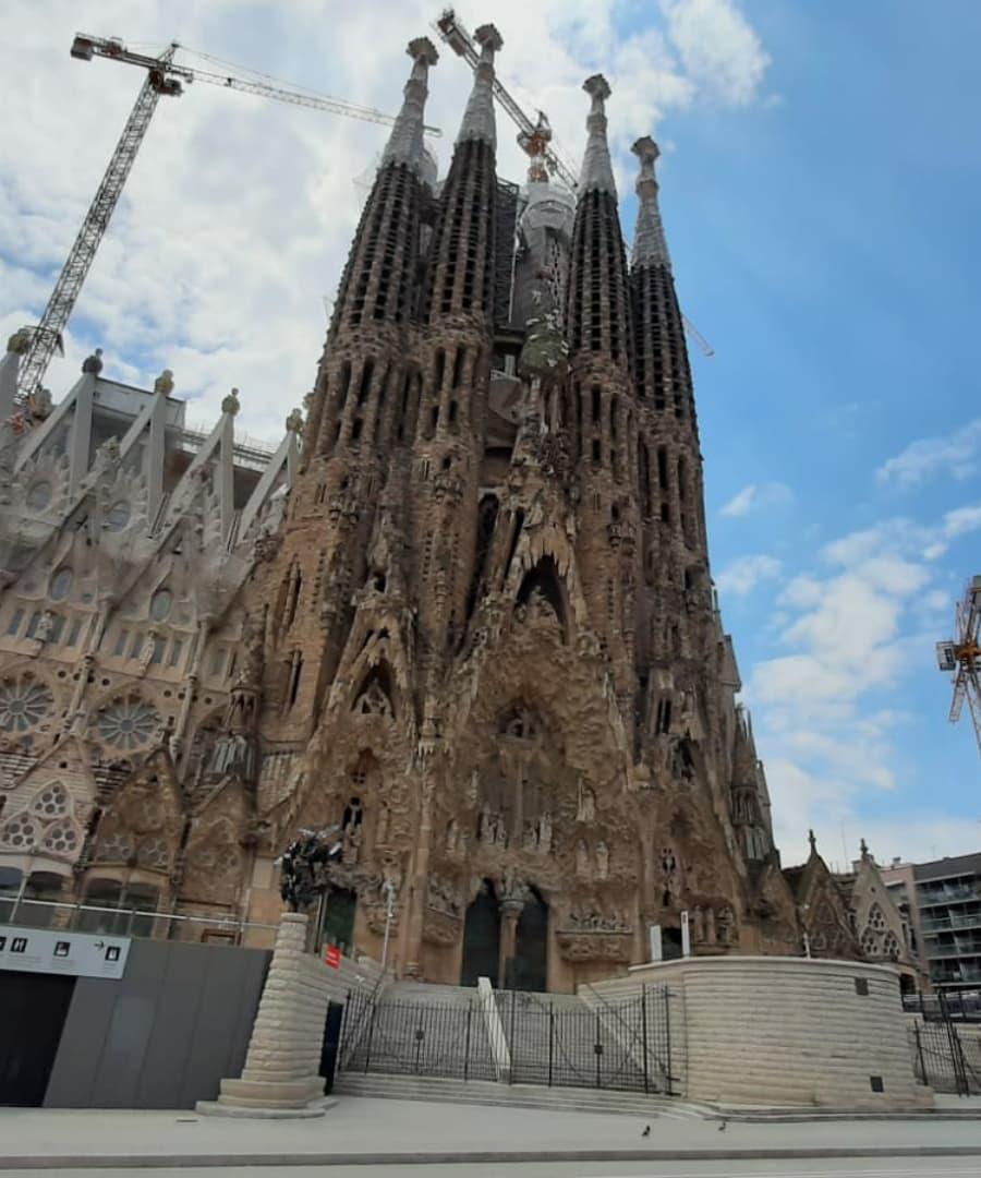 Базилика Святого Семейства признана лучшей достопримечательностью в мире