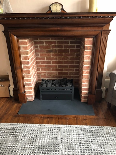 Old Fulford fireplace chamber with side returns