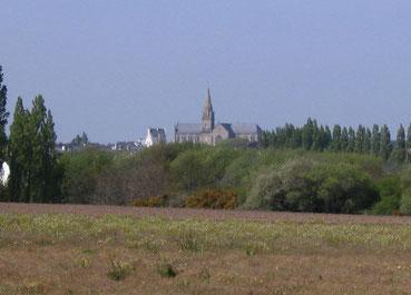 Une église qui domine le bourg