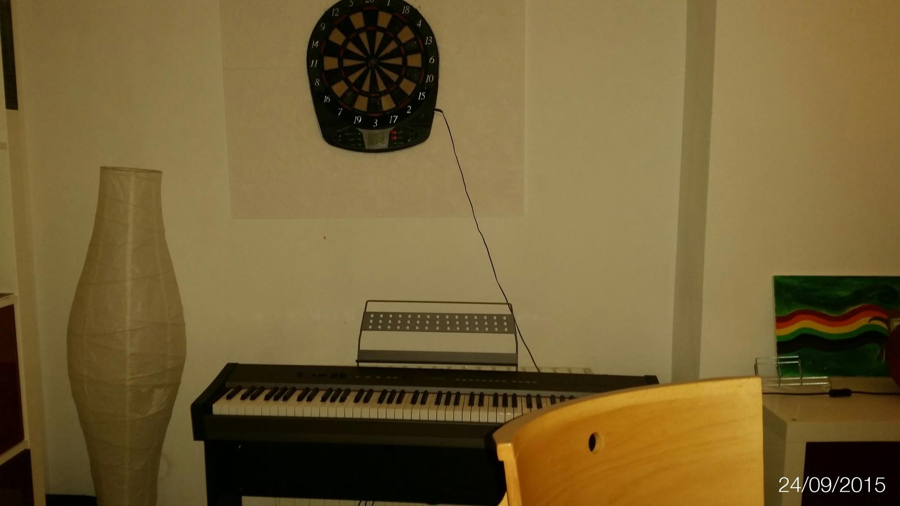 Auch selbstgemachte Musik kommt im PULS nicht zu kurz ob Gitarre,Trommel oder Keyboard hier kannst du dich richtig austoben.