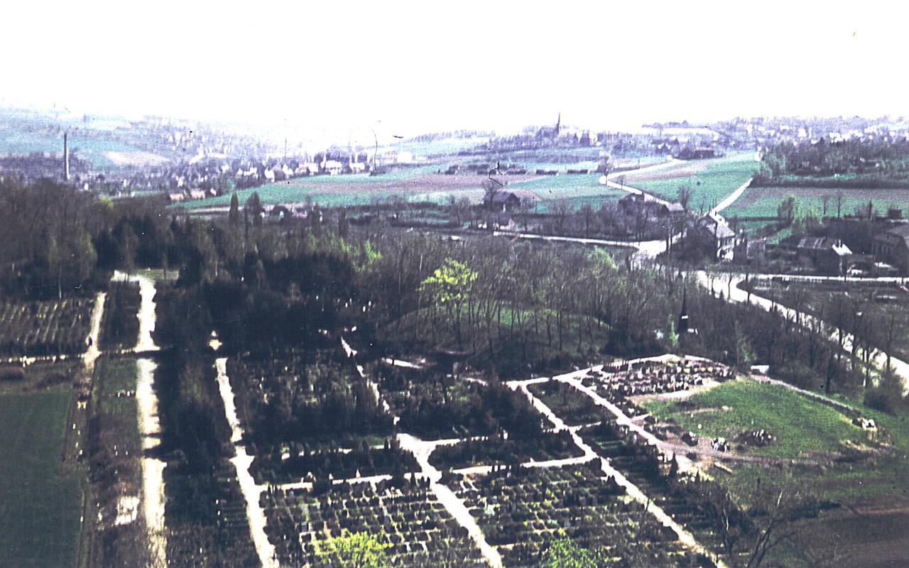 Friedhof Planitz l Blick von Lukaskirche um 1960