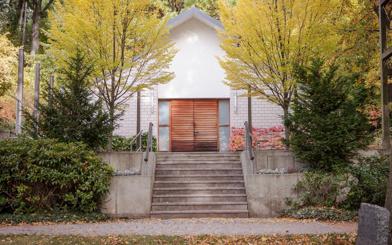 Friedhof Planitz | Abschiedshalle, außen