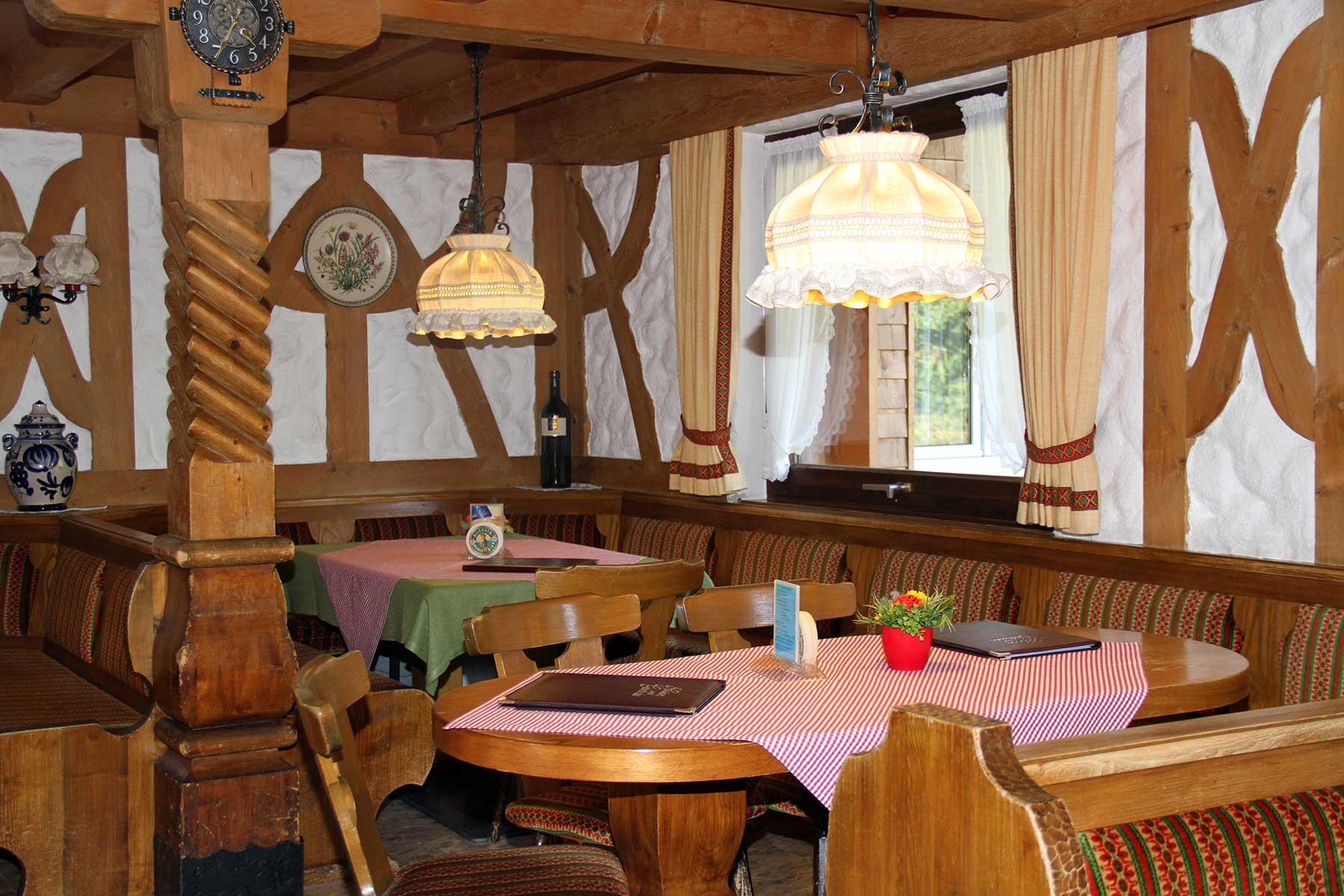 Berggasthof Bühlalpe, Kleinwalsertal – Gaststätte und Terrasse, Deine Feier bei uns!