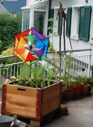 hochbeete aus palettenrahmen wurmkomposter und kompostw rmer bei naturwurm kaufen. Black Bedroom Furniture Sets. Home Design Ideas