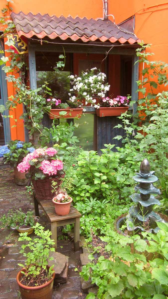Galerie Frutti dell'Arte auf dem Tag der offenen Gartentür am 19.06.2016, drei Monate vor der Aachener Kunstroute 2016