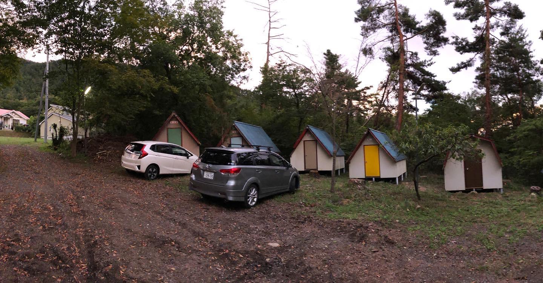 「キャンプ場に行く朝」