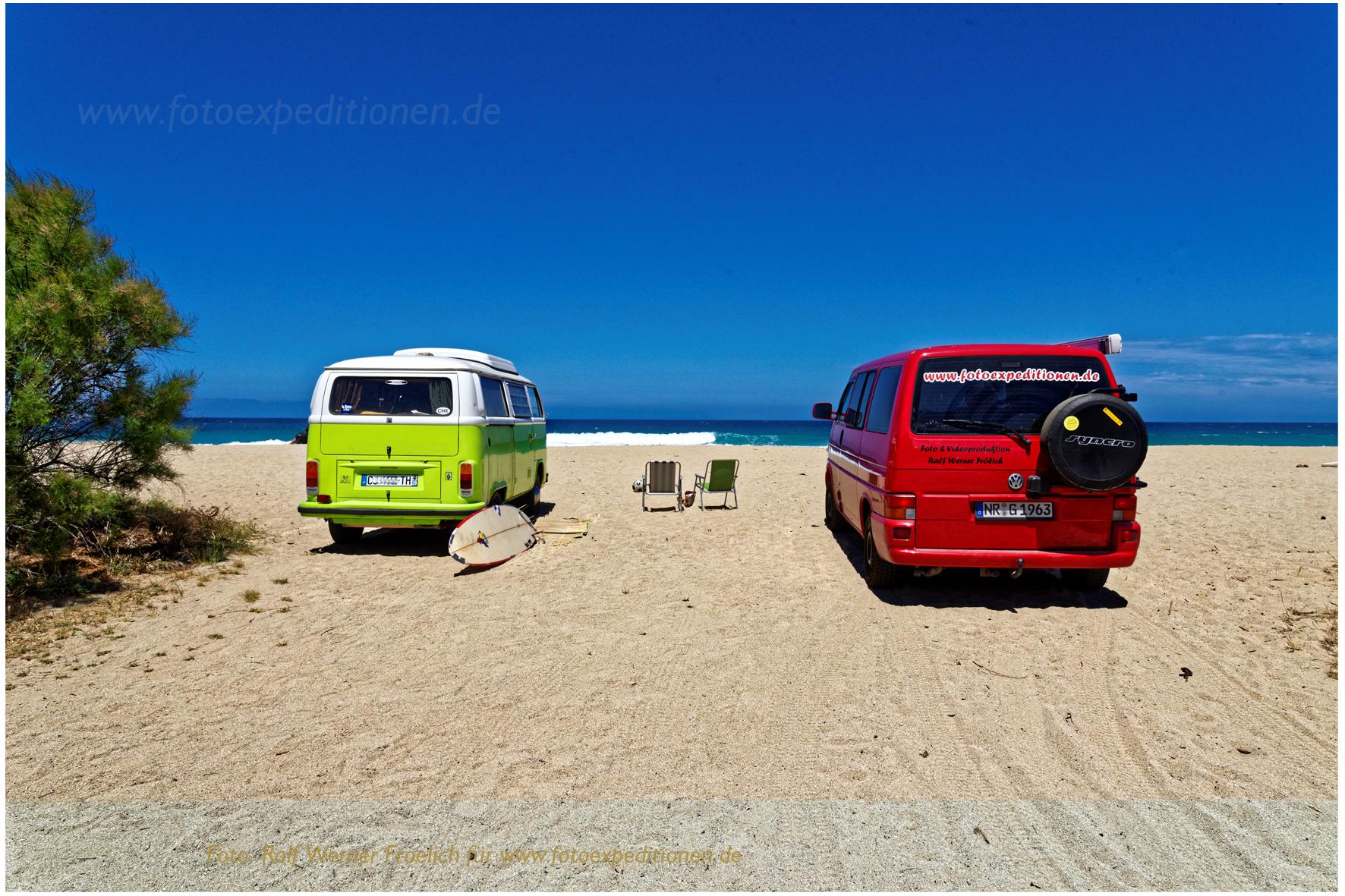 VW Bus - treffen am Strand von Algajola, Korsika