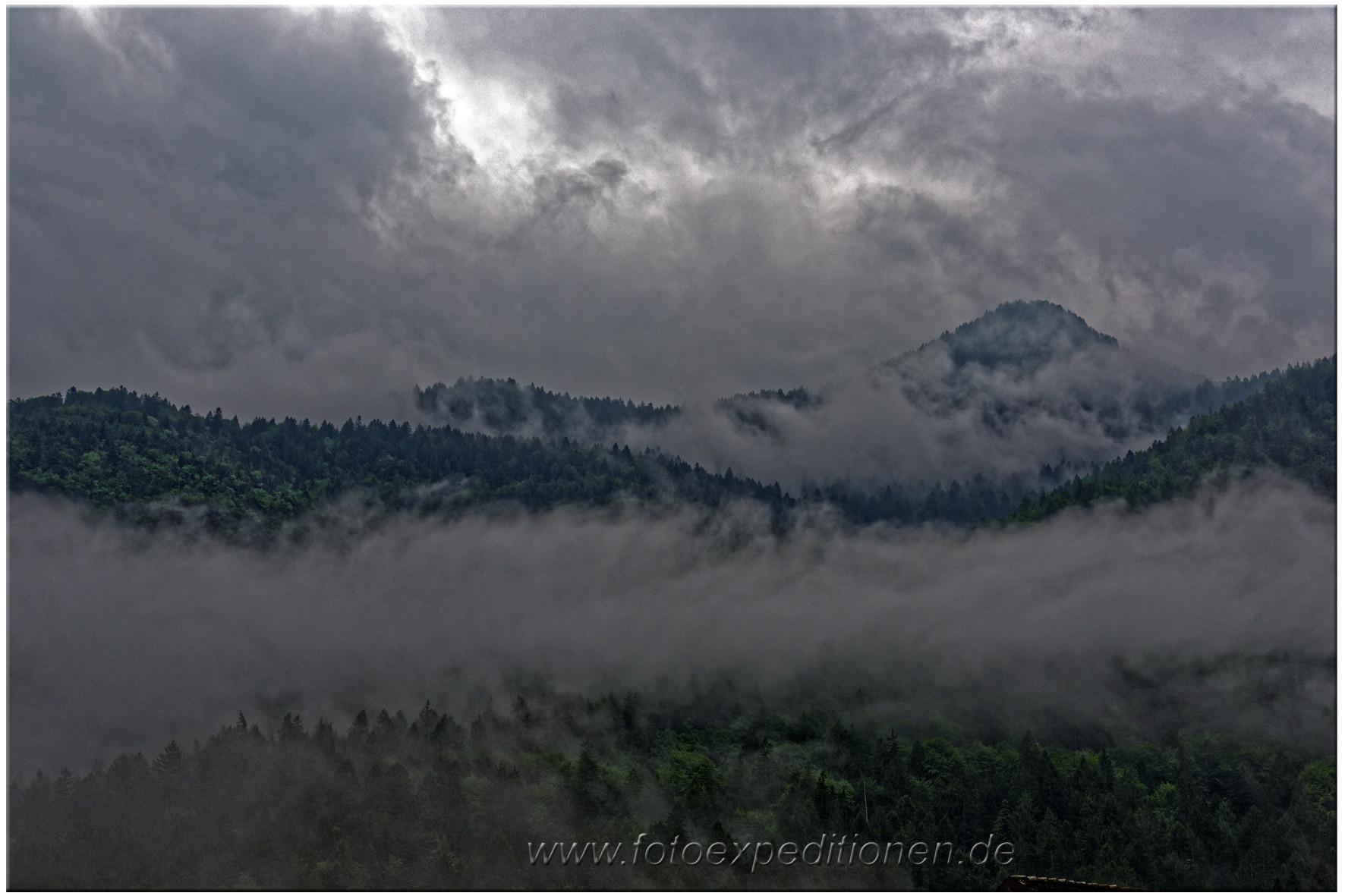 Wolkenstimmung am Berg Montserrat, Spanien