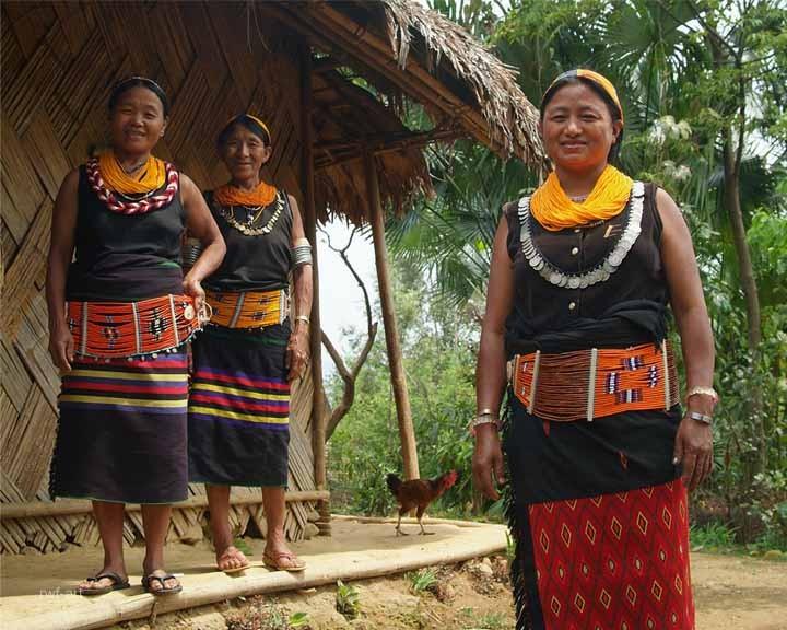Nagafrauen vom Stamm der Konyak, Nagaland
