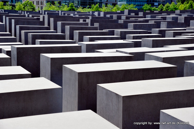 """remember me"" Gedenk- und Erinnerungsarchitektur, Holocaustdenkmal in Berlin"