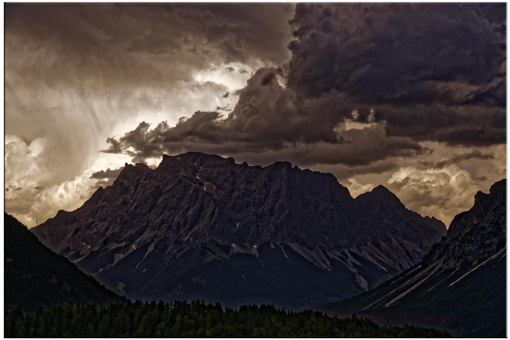 Gewitterstimmung an der Zugspitze