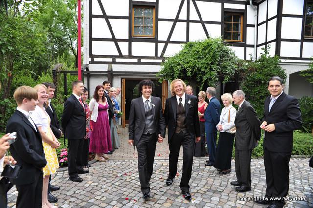 Empfang durch die Hochzeitsgäste