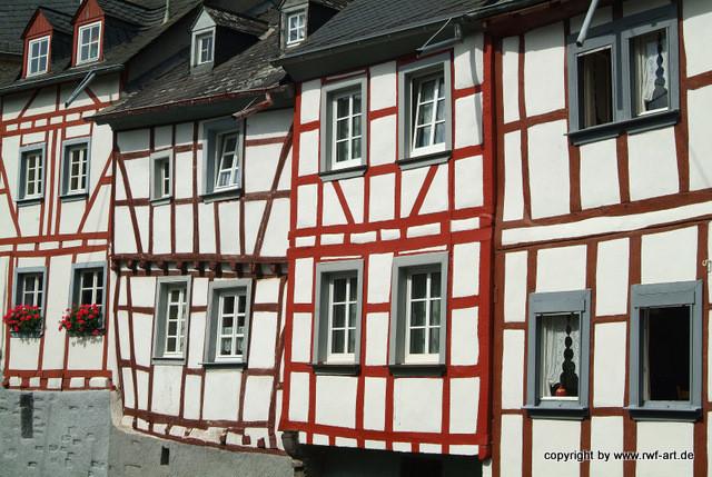 Mittelalter - Ansicht von Monreal in der Eifel