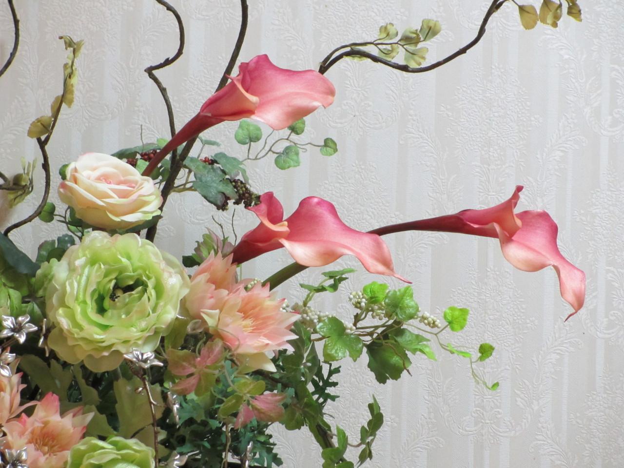 サロン内はお花がいっぱいです!