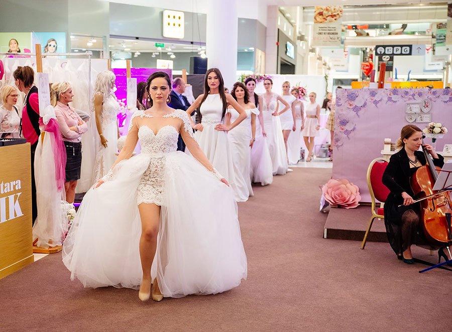 2017 | The first fashion show with the real brides was organized