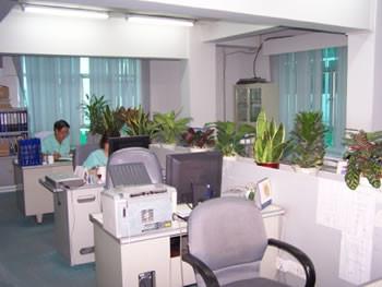 中国の東莞工場の事務室のイメ-ジです。