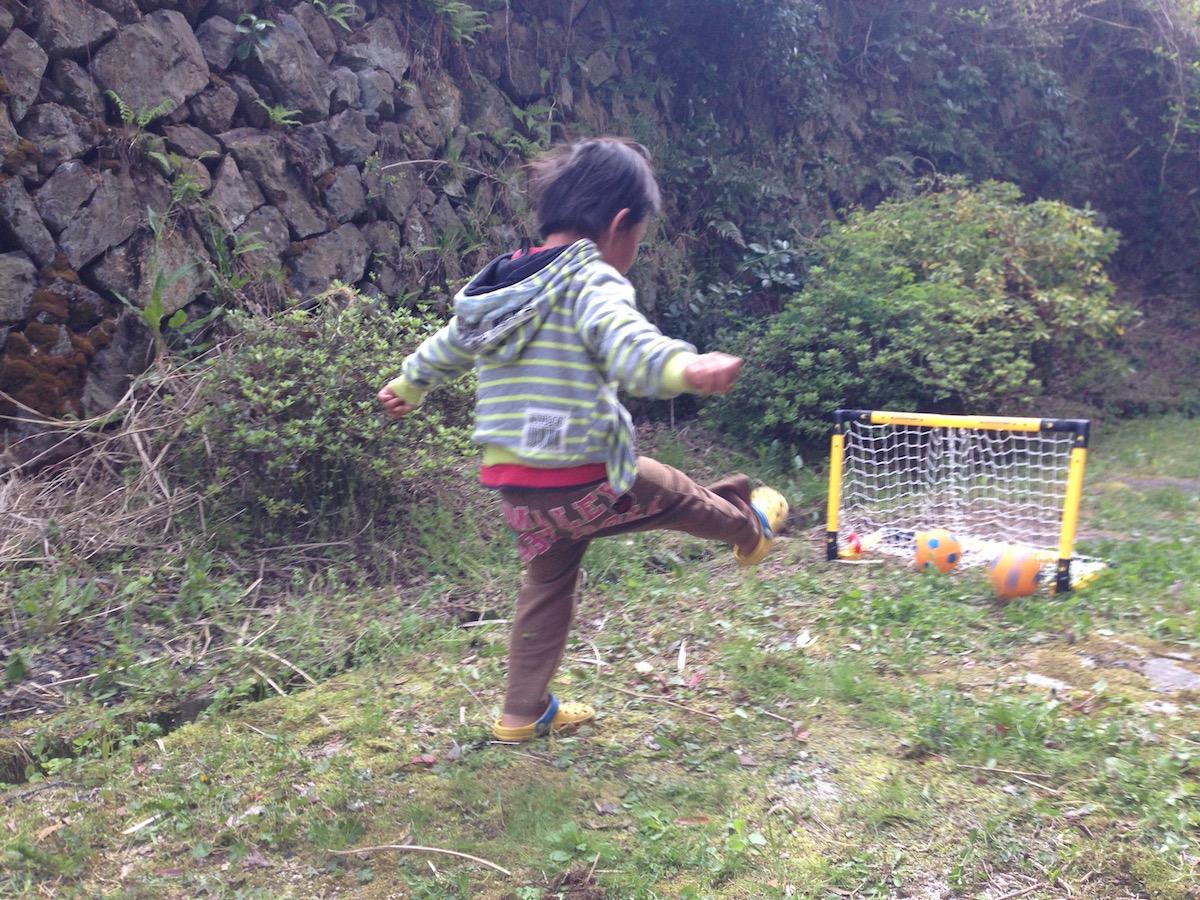 5歳になる息子と一緒に遊ぶ