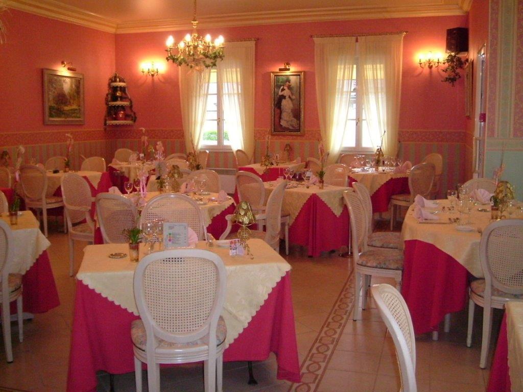 Salle de restaurant l'Auberge du Val d'Oise