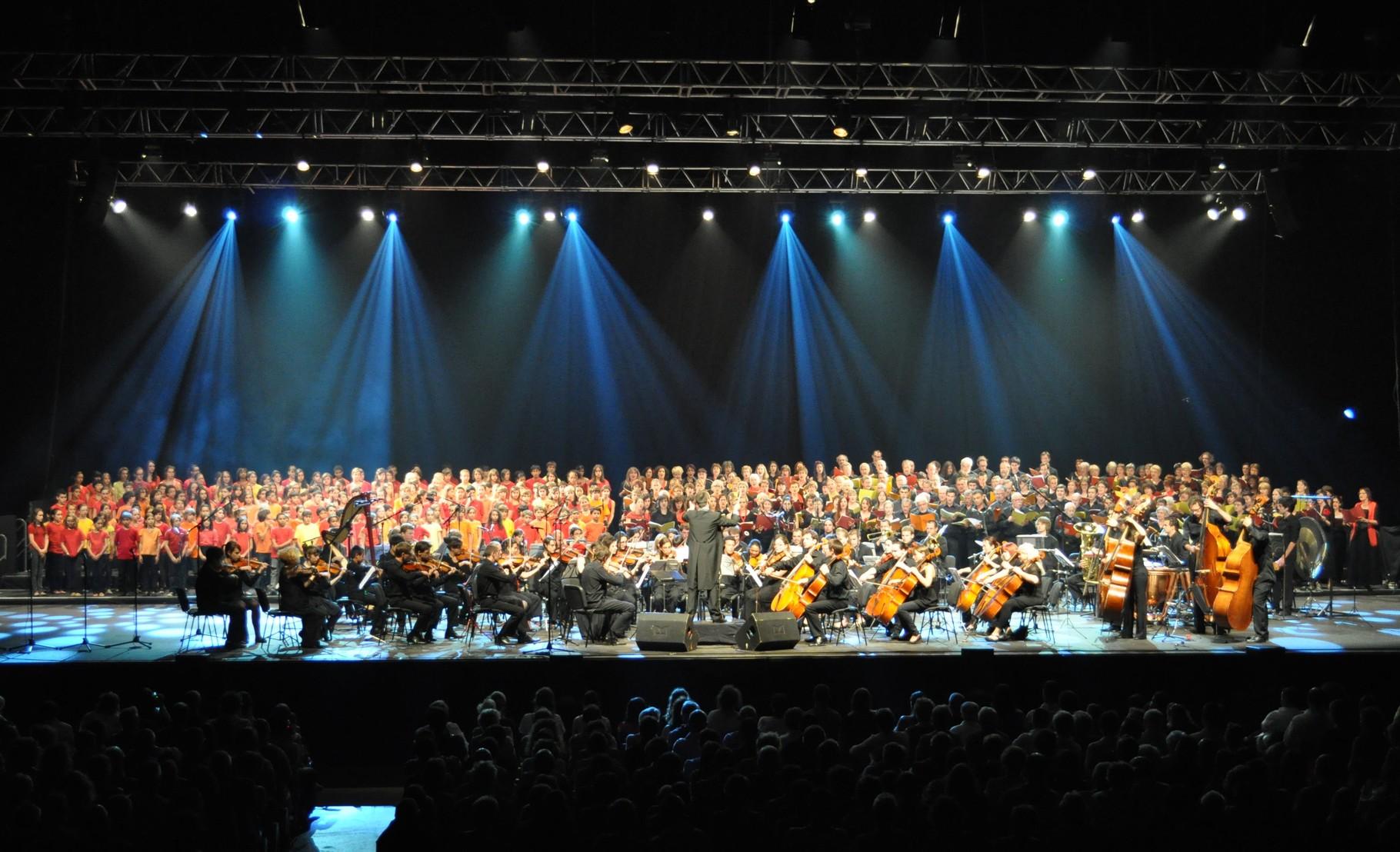 2011 - Dogora au Zenith d'Auvergne