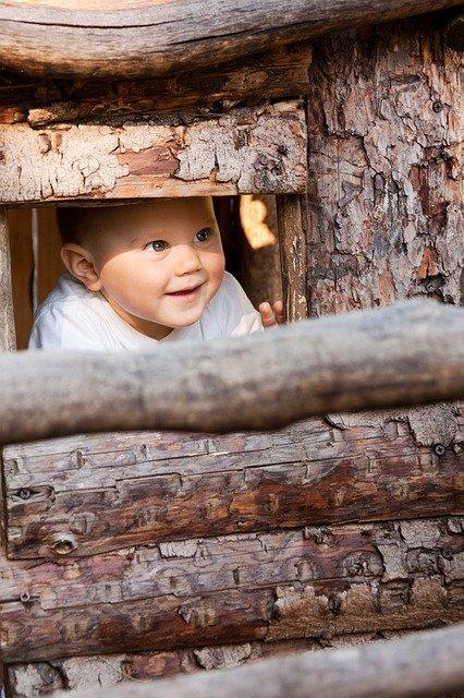 Verstecken spielen, spiele für Kinder, Outdoor spiele, draußen spiele