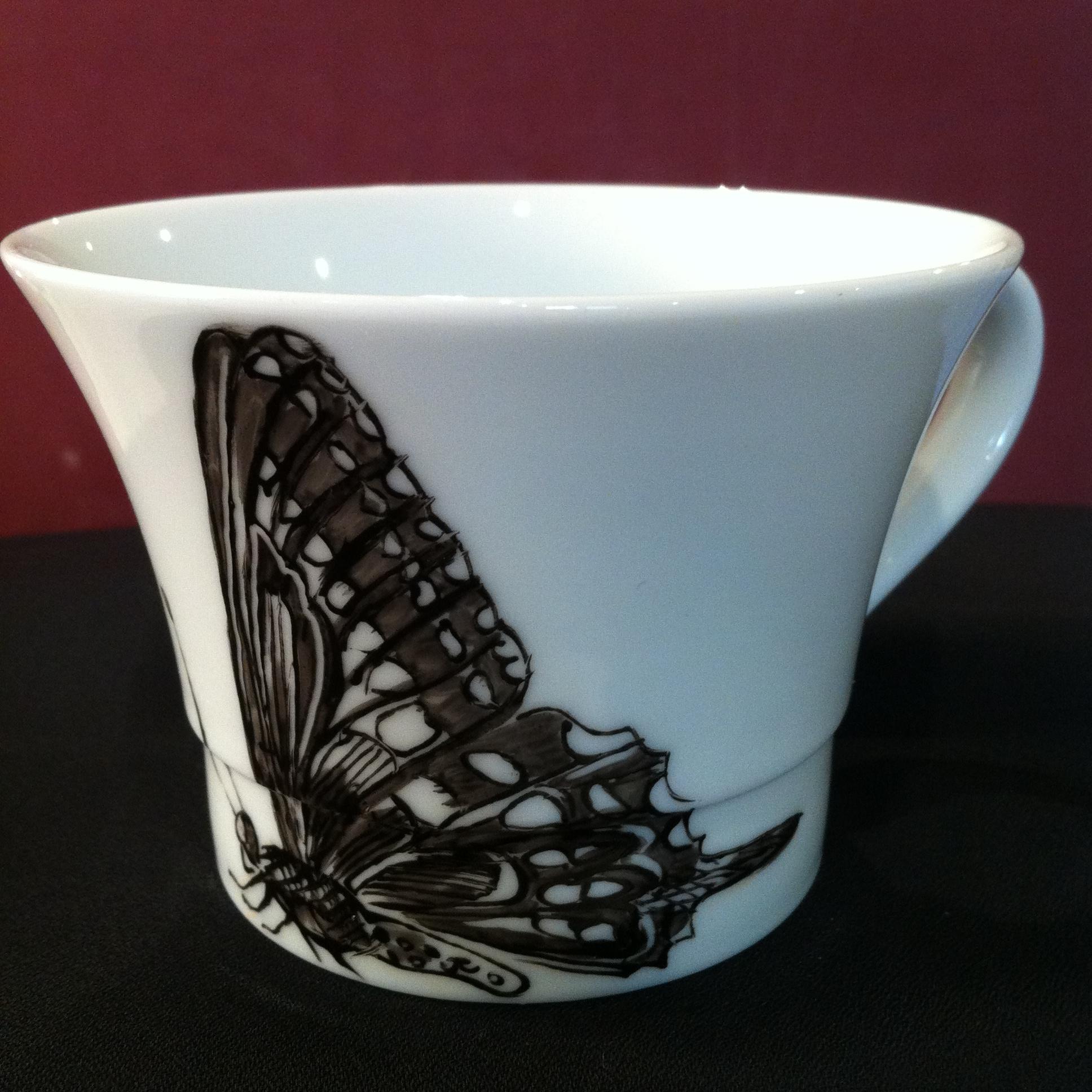 Tasse avec anse H 7 cm D base 10 cm