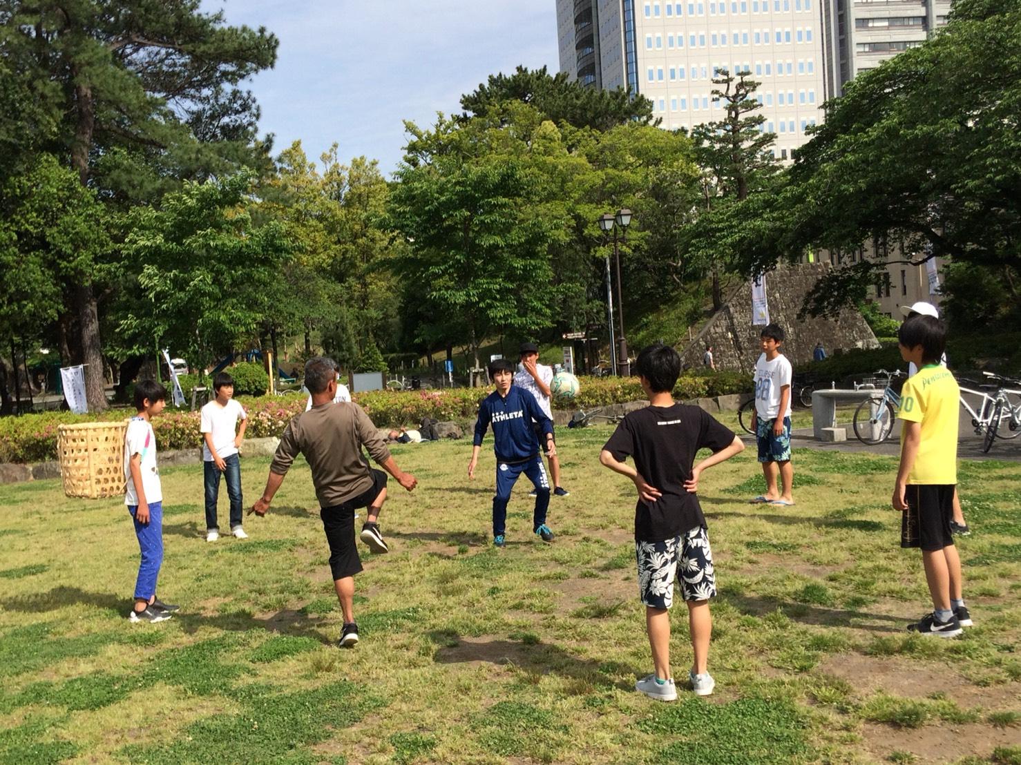 駿府城公園に遊びに来ていた地元の学生+おじさまと!