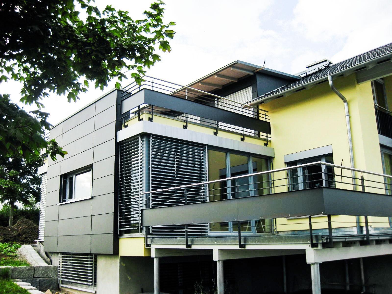 Terrassengeländer und Unterkonstruktionen