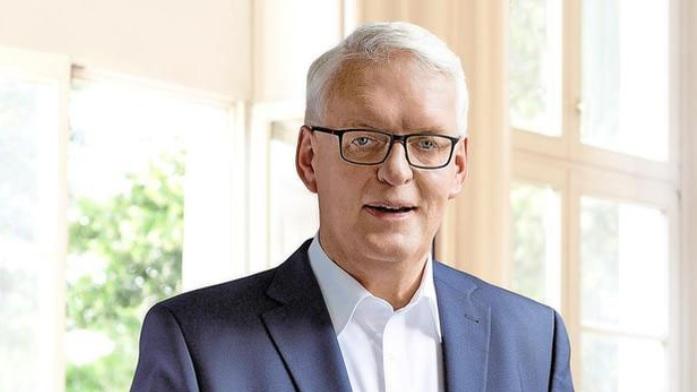 Bürgermeister Borgmann sieht den Schritt zum flächendeckenden Ausbau des Glasfasernetzes als fast abgeschlossen.