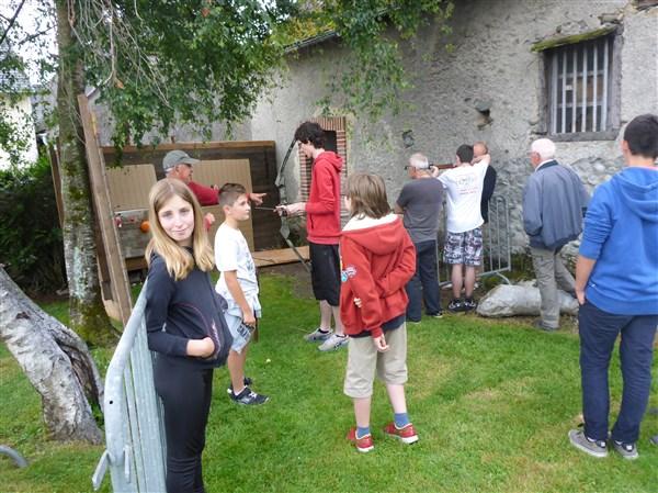 Sté de Chasse de la Vallée de lOusse : Tirs à l'Arc et à la carabine... petits et grands furent nombreux à viser...