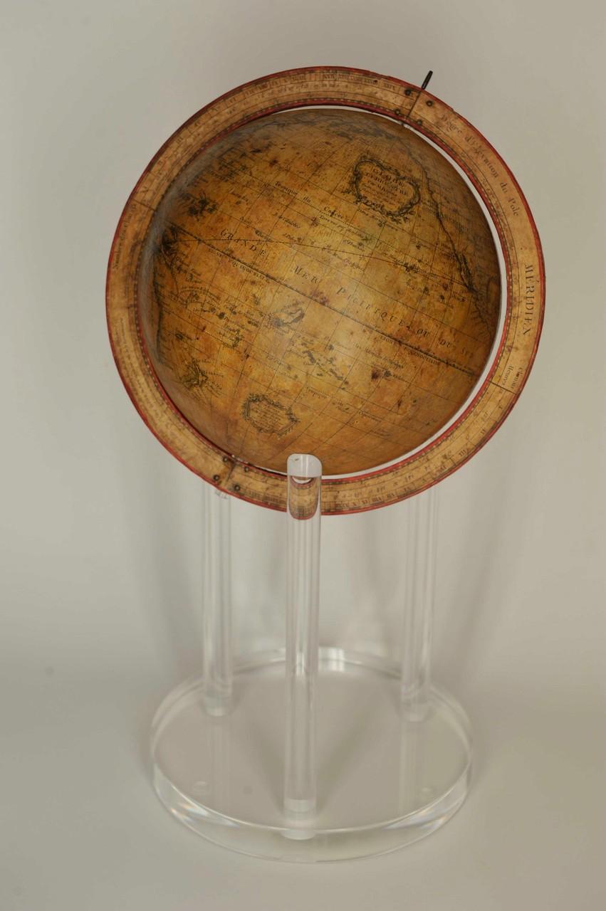 globo terrestre sulla base in plexiglas