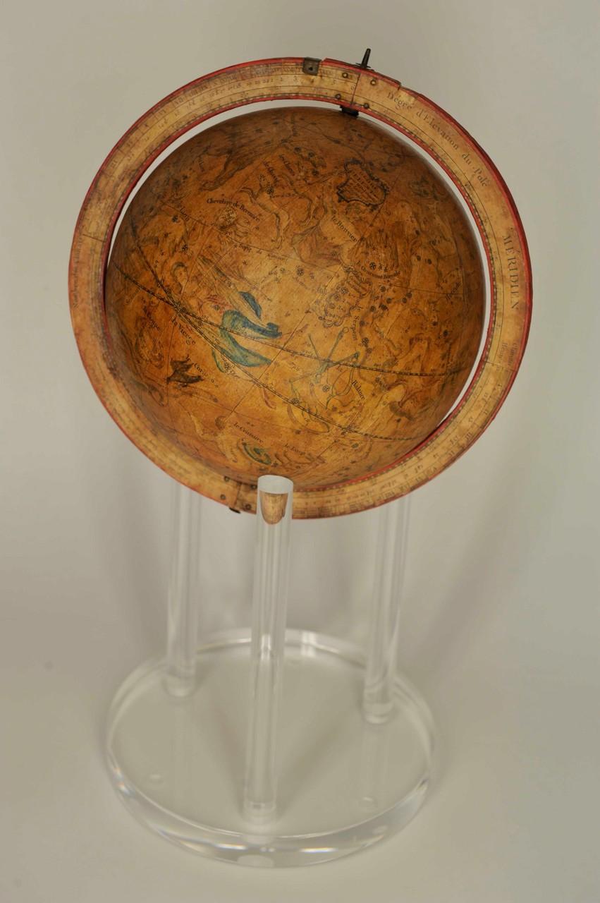 globo celeste sulla base in plexiglas