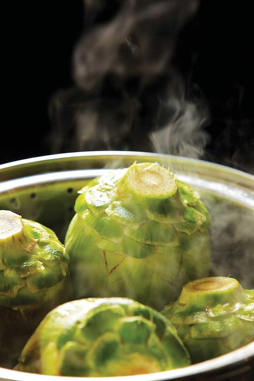 昔ながらのオランデーズソースを使い、ほくほく蒸す。中にはソースを満たし。 TIM NAUMAN PHOTOGRAPHY/WWW.TIMNAUMAN.COM