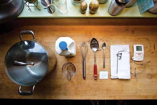 用意するものの大半は元からキッチンにあり、残りは地域の雑貨店で容易に見つかる。Photo by Flickr/Brian Boucheron